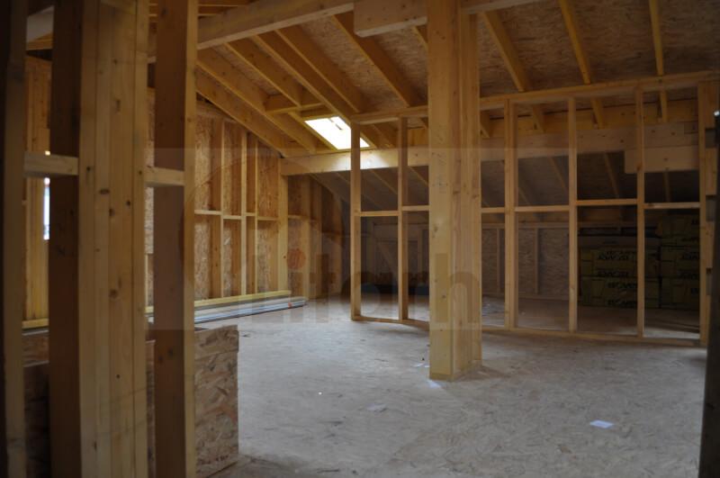Casa de lemn drumul-taberei