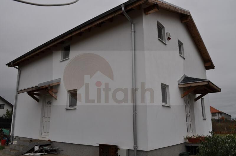 Case din lemn Domnesti, Romania